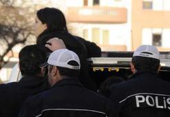 AK Parti'nin standına saldırı girişimi: 8 gözaltı