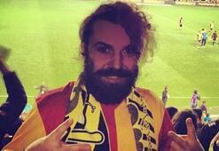 Halil Sezai Galatasaray formasıyla Kadıköyde maç izledi