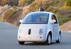 Google kendi kendine giden arabayı tanıttı