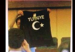 Çindeki katliamda Türkiye tişörtü iddiası