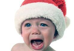 Çocuğunuz ağladığı için fıtık olmaz, fıtık olduğu için ağlar