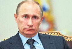 Putin sivil topluma baskıyı artırdı