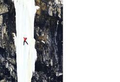 137 metrelik 'buz' şelaleye tırmanmak
