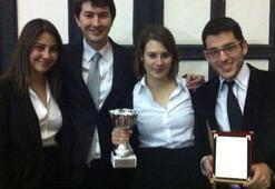 Uluslararası hukuk yarışmasında Türkiyeyi temsil edecekler