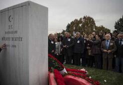 Eski Başbakanlardan Ecevit, vefatının 11inci yılında mezarı başında anıldı