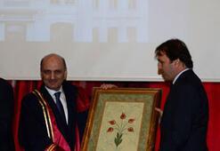 Bakan Bayraktara Fahri Diploma