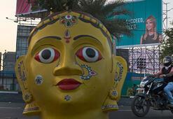 Hindistanda dilenciler Ivanka Trump için kovuldu
