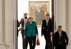 Almanyada hükümet krizi bitiyor Büyük koalisyon görüşmeleri başlıyor
