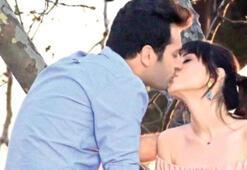 Murat Yıldırım öpüşürken eşi...