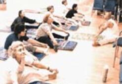 Yoga ile hem ruhları hem kemikleri güçlendi