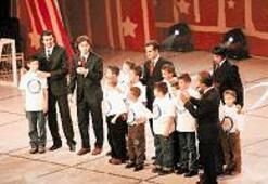 Yıldızlar çocukların eğitimi için parladı