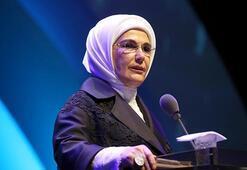 Emine Erdoğan: Kız çocuklarımızın zihinlerine barikatlar yerleştirmeyelim