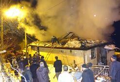 İtfaiye aracı kara saplandı, yangına köylüler müdahale etti