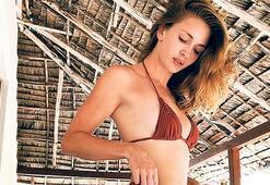 Kenya'da bikinili poz