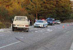 Yolcu minibüsü mermer yüklü kamyonete çarptı: 14 yaralı