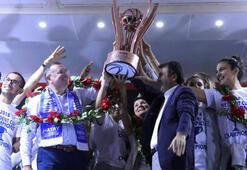 Hatay Büyükşehir Belediyesporda kupa kutlaması