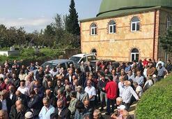 Cenazeye giden cemaat cami hoparlöründen ölen kişinin sesini duydu...