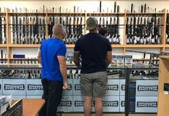 Yeni Zelandalılar silahlarını polise teslim etmeye başladı