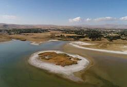 Göl suları çekilince ortaya çıktı Gün geçtikçe daha da büyüyor...