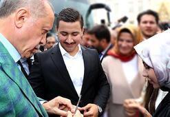 Cumhurbaşkanı Erdoğan 15 Temmuz Gazisinin söz yüzüğünü taktı