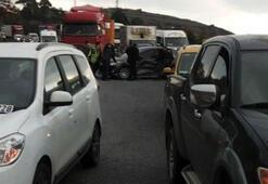 TIRdan yola mazot sızınca felaket yaşandı 7 araç birbirine girdi
