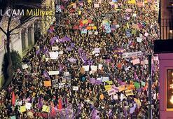 Binlerce kadın Taksim'de buluştu