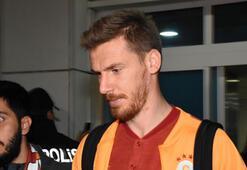 Galatasarayda Serdar Aziz ile ipler kopuyor İşte görüşmenin detayları...