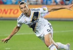Zlatan Ibrahimovicin sözleşmesi 1 yıl uzatıldı