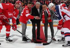 Putinin de buz hokeyi oynadığı Rusyada THY piste imza attı