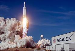 SpaceX, 64 küçük uydunun fırlatılmasını erteledi