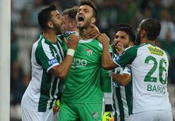 Bursaspor 3 eldivenle ilk yarıyı tamamladı