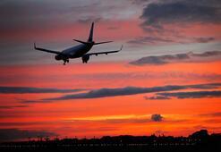 Son dakika... Yolcu uçağında şok Kaçırmak istediler, uçak kuşatıldı...