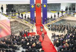 Kosova ordusu için resmi tören