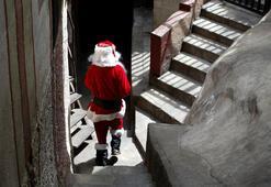 İlkokul çocuklarına Noel Baba gerçek değil diyen öğretmen görevden uzaklaştırıldı