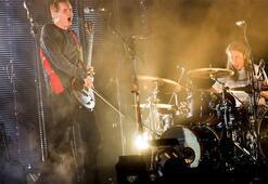 Dünyaca ünlü rock grubunda tecavüz şoku Ayrıldı...