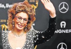 84'lük Sophia Loren'de hiç botoks yok