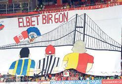 Antalyada şampiyonluk pankartı