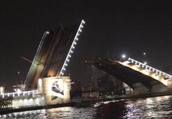 3 köprü yeniden trafiğe açıldı