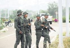 Maduro askerleri sınıra yolladı