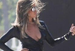 Jennifer Aniston yıllara meydan okuyor