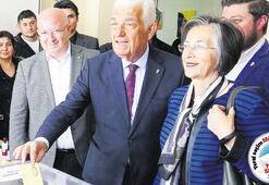 Ege'de başkanlar koltuğunu korudu