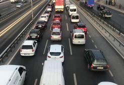 E-5 karayolunda kapalı yollar nedeniyle trafik yoğunluğu oluştu
