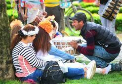 Karnavalda turistlerin davulcu rahatsızlığı