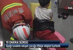Ayağı tuvalete sıkışan çocuğu itfaiye ekipleri kurtardı