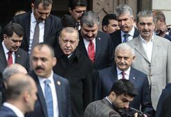 Cumhurbaşkanı Erdoğan, cuma namazını Başyazıcıoğlu Camisinde kıldı