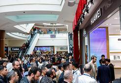 Huaweinin yeni deneyim mağazasına rekor ilgi