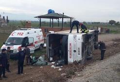 Öğrencileri taşıyan otobüs devrildi Yaralılar var...