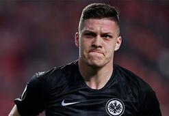 Eintracht Frankfurt, Luka Jovicin bonservisini aldı