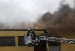 Son dakika... İstanbuldaki sanayi sitesinde korkutan yangın
