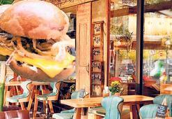 Geleneksel lezzet hamburgere girdi